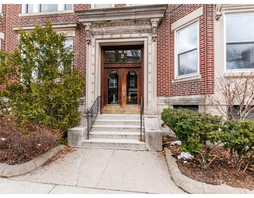 9 Gibbs St #1, Brookline, MA 02446 (MLS #72292918) :: Vanguard Realty