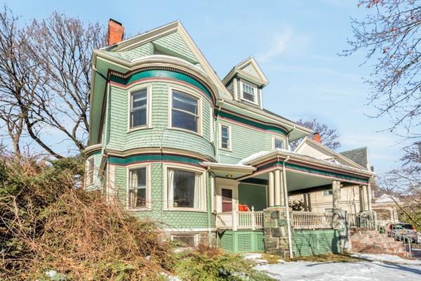19 Abbottsford Rd #1, Brookline, MA 02446 (MLS #72295787) :: Westcott Properties