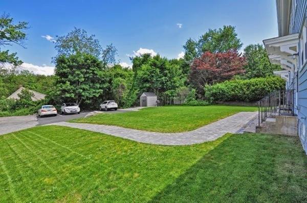 44 Elm Street #44, Northbridge, MA 01588 (MLS #72305763) :: Welchman Real Estate Group | Keller Williams Luxury International Division
