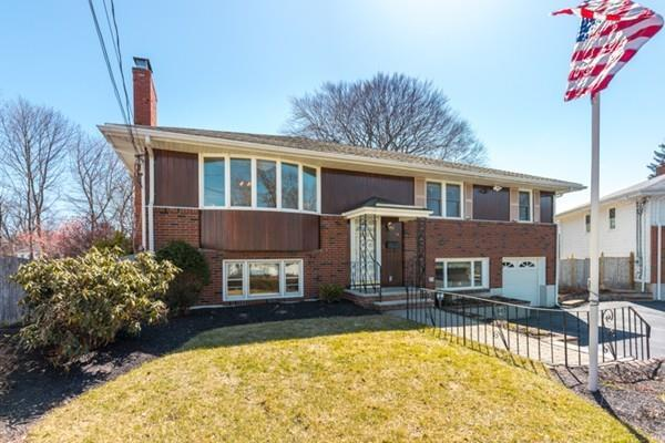 14 Lorraine Rd, Medford, MA 02155 (MLS #72306761) :: Westcott Properties