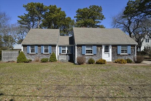 26 Lower County Rd, Dennis, MA 02639 (MLS #72309400) :: Mission Realty Advisors