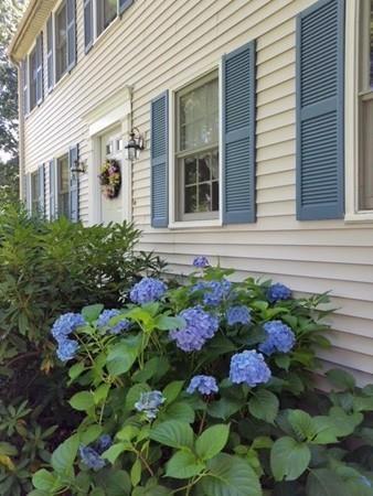 63 Carole Lane, Northbridge, MA 01588 (MLS #72314190) :: Goodrich Residential