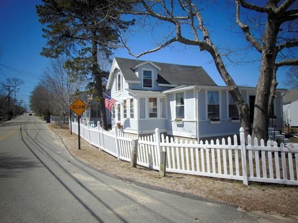 52 East Central Ave, Wareham, MA 02558 (MLS #72314537) :: Exit Realty