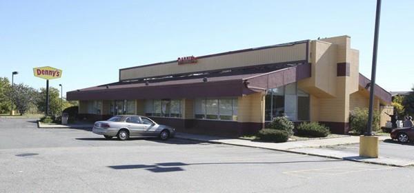 152 Endicott St, Danvers, MA 01923 (MLS #72322445) :: ALANTE Real Estate