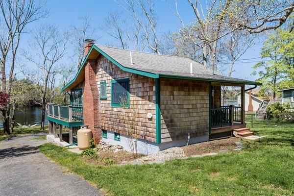 13 Cottage Lane Waterfront, Lakeville, MA 02347 (MLS #72323452) :: ALANTE Real Estate