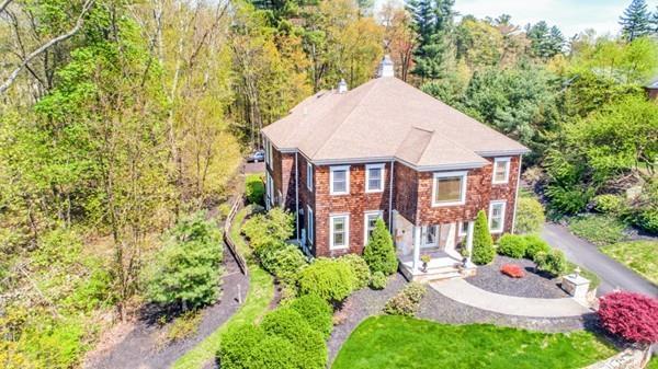 68 Mill Brook Ave, Walpole, MA 02081 (MLS #72325027) :: Goodrich Residential