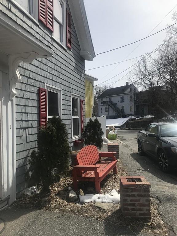 13 Bellevue Ave, Haverhill, MA 01832 (MLS #72327827) :: ALANTE Real Estate