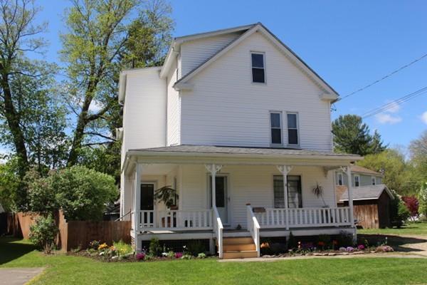 15 Willow St, Northampton, MA 01062 (MLS #72329937) :: Welchman Real Estate Group | Keller Williams Luxury International Division