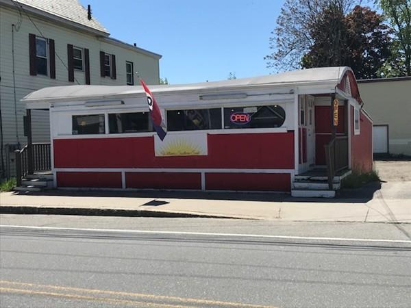 135 Lunenburg St, Fitchburg, MA 01420 (MLS #72332167) :: The Home Negotiators