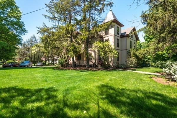 595 Watertown St #4, Newton, MA 02460 (MLS #72332627) :: Goodrich Residential