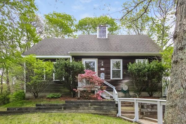 305 Hooppole Rd, Mashpee, MA 02649 (MLS #72333462) :: Goodrich Residential