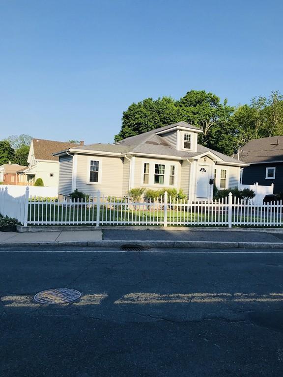 482 Ash St, Brockton, MA 02301 (MLS #72333963) :: ALANTE Real Estate