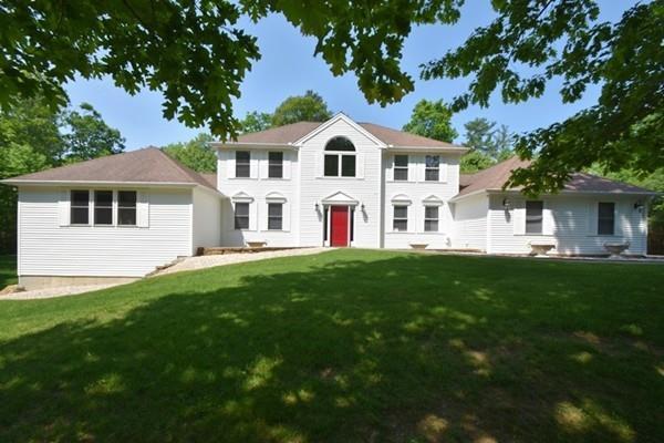 15 Old Hickory Rd, Tyngsborough, MA 01879 (MLS #72335910) :: Vanguard Realty