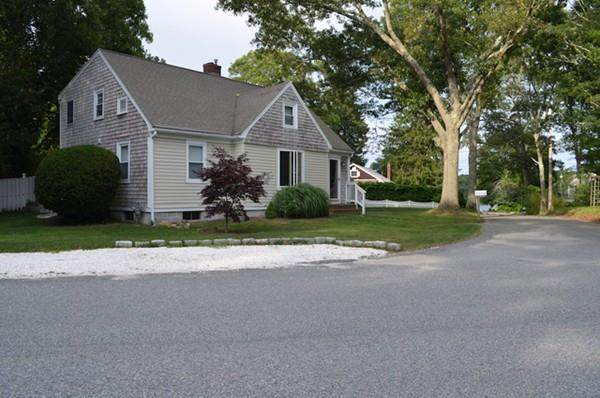 2 Cedar Ave, Bourne, MA 02532 (MLS #72338085) :: The Goss Team at RE/MAX Properties