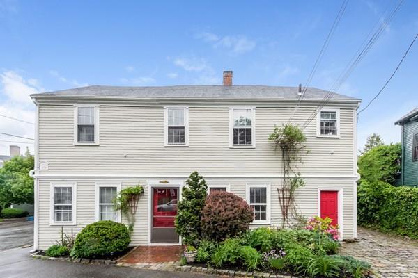 2 Washington Street, Marblehead, MA 01945 (MLS #72339981) :: The Muncey Group