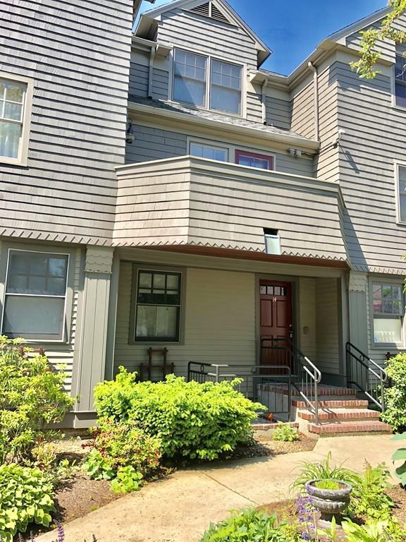 27R West Street #14, Beverly, MA 01915 (MLS #72344473) :: Driggin Realty Group