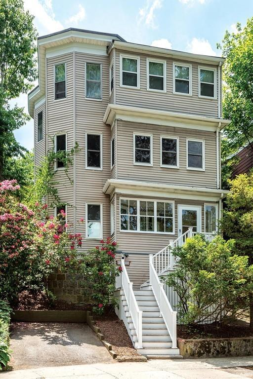 219 Crafts Rd #2, Brookline, MA 02467 (MLS #72344550) :: Hergenrother Realty Group