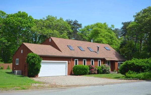 680 Quaker Road, Falmouth, MA 02556 (MLS #72345398) :: The Muncey Group