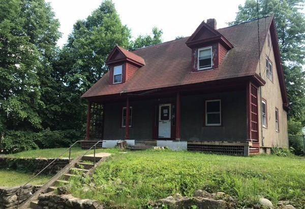 18 Eureka St, Fitchburg, MA 01420 (MLS #72349342) :: Westcott Properties
