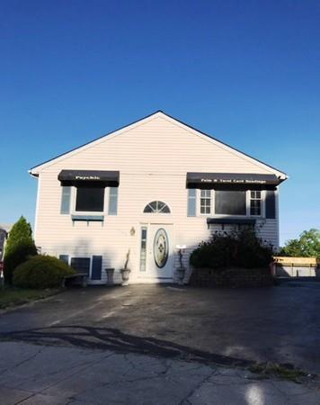 1100 S Main St, Fall River, MA 02724 (MLS #72349397) :: Westcott Properties