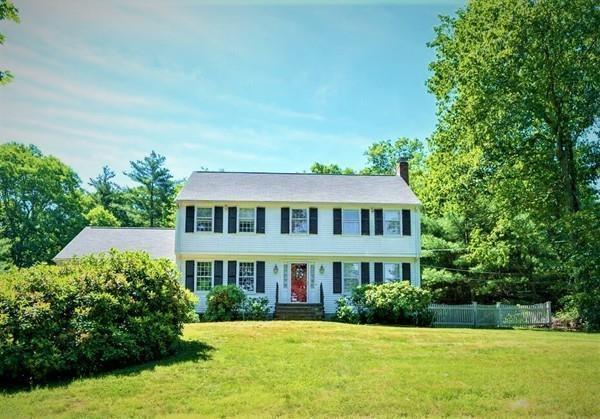 28 Cedar Hill Rd, Dover, MA 02030 (MLS #72352844) :: Compass Massachusetts LLC