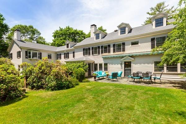 261 Hart, Beverly, MA 01915 (MLS #72353048) :: AdoEma Realty