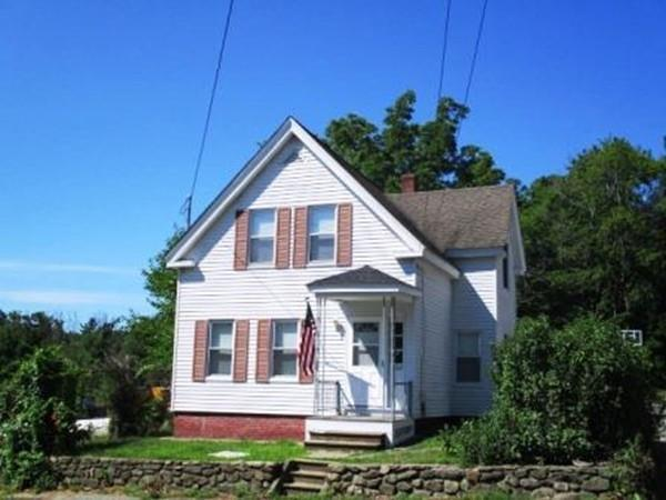 220 Sterling St, Clinton, MA 01510 (MLS #72358411) :: The Home Negotiators