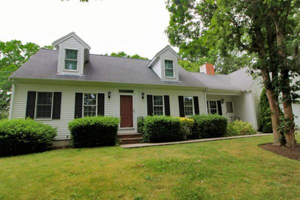 25 Eileen St, Yarmouth, MA 02675 (MLS #72358652) :: ALANTE Real Estate
