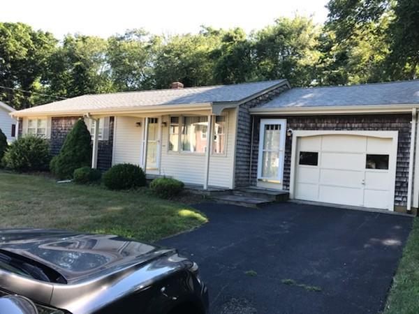 27 Robert St., Westport, MA 02790 (MLS #72359230) :: Welchman Real Estate Group | Keller Williams Luxury International Division