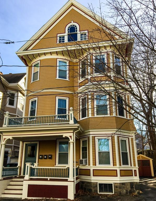 11 E Milton Rd, Brookline, MA 02445 (MLS #72363044) :: The Gillach Group