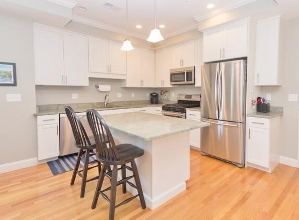 345 Belgrade Ave R11, Boston, MA 02131 (MLS #72363941) :: Westcott Properties