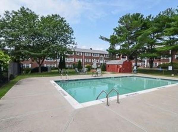 10 Tara Dr #8, Weymouth, MA 02188 (MLS #72365097) :: Keller Williams Realty Showcase Properties