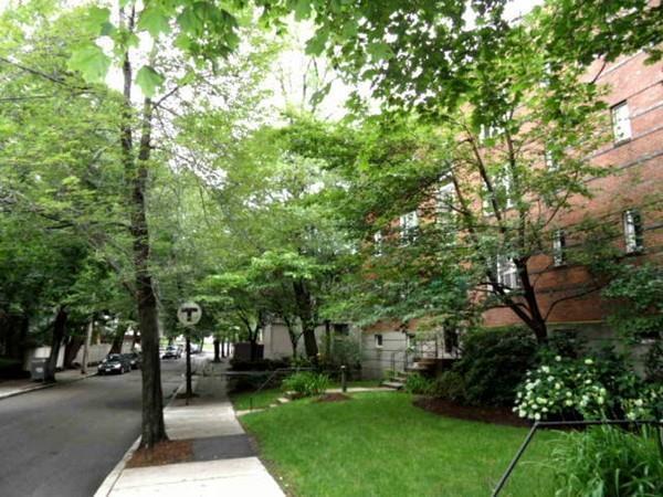 128 Beaconsfield  Road #5, Brookline, MA 02446 (MLS #72365548) :: Goodrich Residential