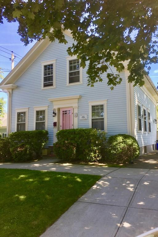 122 Union St, Bristol, RI 02809 (MLS #72366240) :: Hergenrother Realty Group