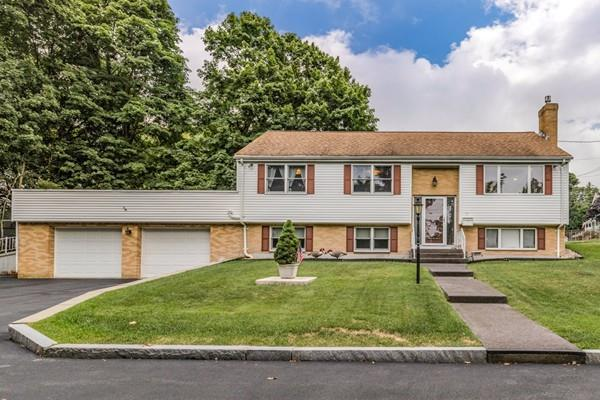 56 Woodbury St, Arlington, MA 02476 (MLS #72367977) :: The Muncey Group