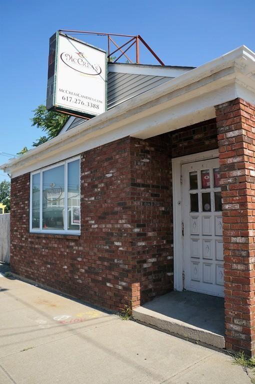 202 Neponset Valley Pkwy, Boston, MA 02136 (MLS #72373803) :: Cobblestone Realty LLC