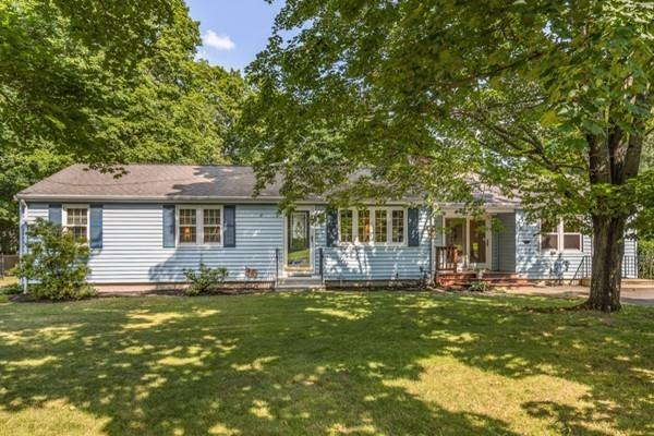 4 Maple St, Shirley, MA 01464 (MLS #72375141) :: The Home Negotiators