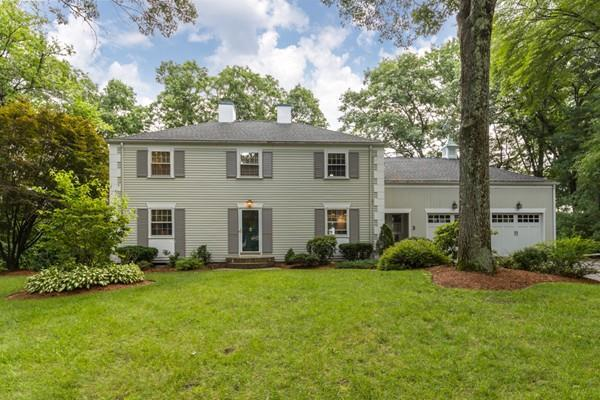 3 Hillcrest Dr, Chelmsford, MA 01824 (MLS #72378814) :: EdVantage Home Group