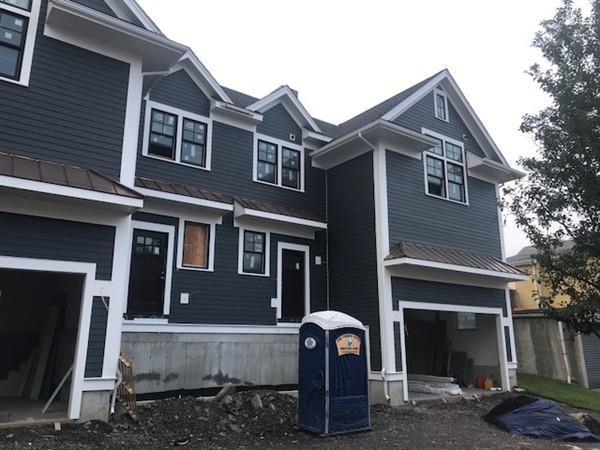 71 Dexter St A, Medford, MA 02155 (MLS #72379356) :: EdVantage Home Group