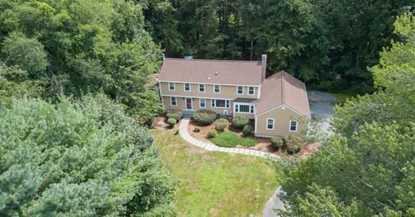 121 Raleigh Tavern Lane, North Andover, MA 01845 (MLS #72380062) :: Hergenrother Realty Group