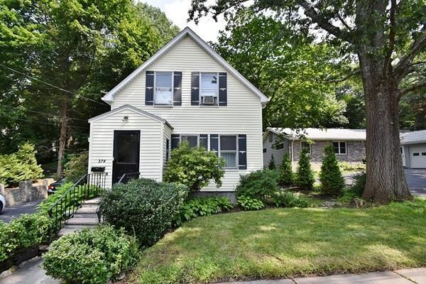 374 Winchester St, Newton, MA 02461 (MLS #72381747) :: The Muncey Group