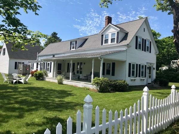 1243 Main St, Barnstable, MA 02635 (MLS #72385600) :: Welchman Real Estate Group | Keller Williams Luxury International Division