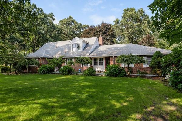 757 Shaker Rd, Longmeadow, MA 01106 (MLS #72386369) :: NRG Real Estate Services, Inc.