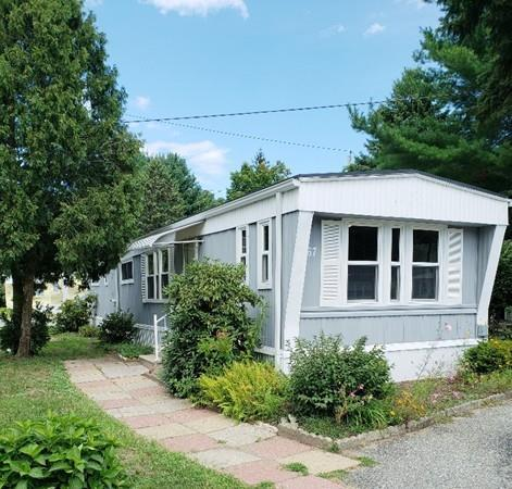 735 Memorial Dr #67, Chicopee, MA 01020 (MLS #72386533) :: Local Property Shop