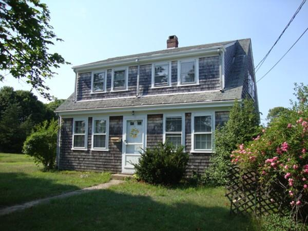 114 Iyannough Rd, Barnstable, MA 02601 (MLS #72386544) :: ALANTE Real Estate
