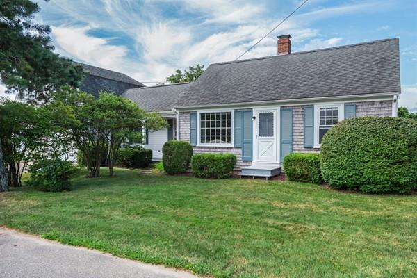 5 Fairview Rd, Bourne, MA 02559 (MLS #72388902) :: Vanguard Realty