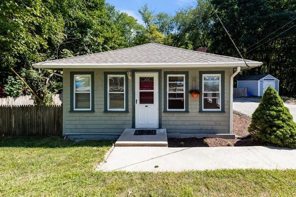 613 Monponsett St, Halifax, MA 02338 (MLS #72389374) :: Welchman Real Estate Group | Keller Williams Luxury International Division