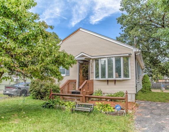 137 Avery St, Springfield, MA 01119 (MLS #72397604) :: Vanguard Realty