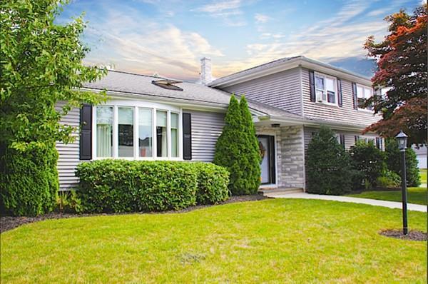 25 Joseph St, Dartmouth, MA 02747 (MLS #72397617) :: Welchman Real Estate Group | Keller Williams Luxury International Division