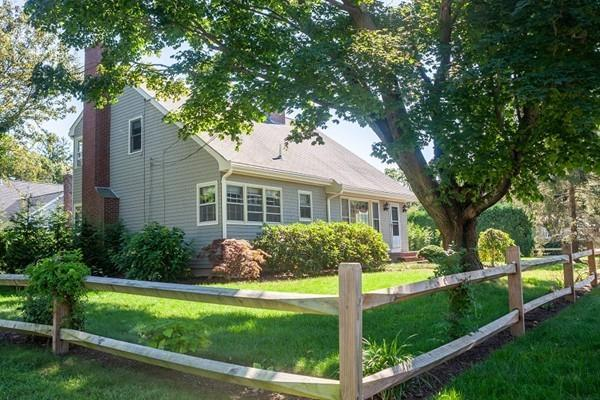 28 Brewster Street, Dartmouth, MA 02748 (MLS #72398232) :: ALANTE Real Estate